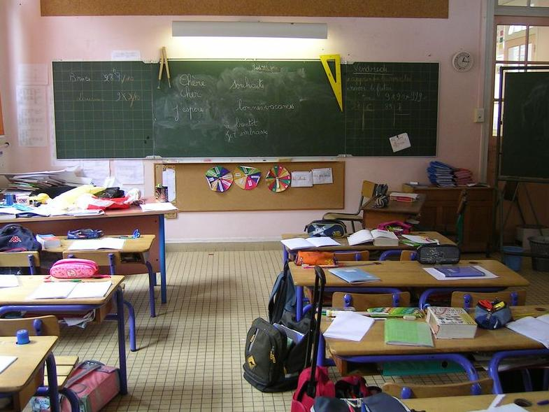 Ecole_primaire_en_France_by_Marianna