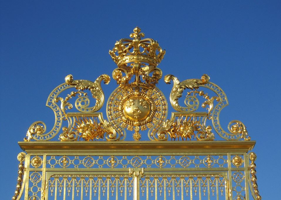 Versailles-porte-or-illustration-pretexte